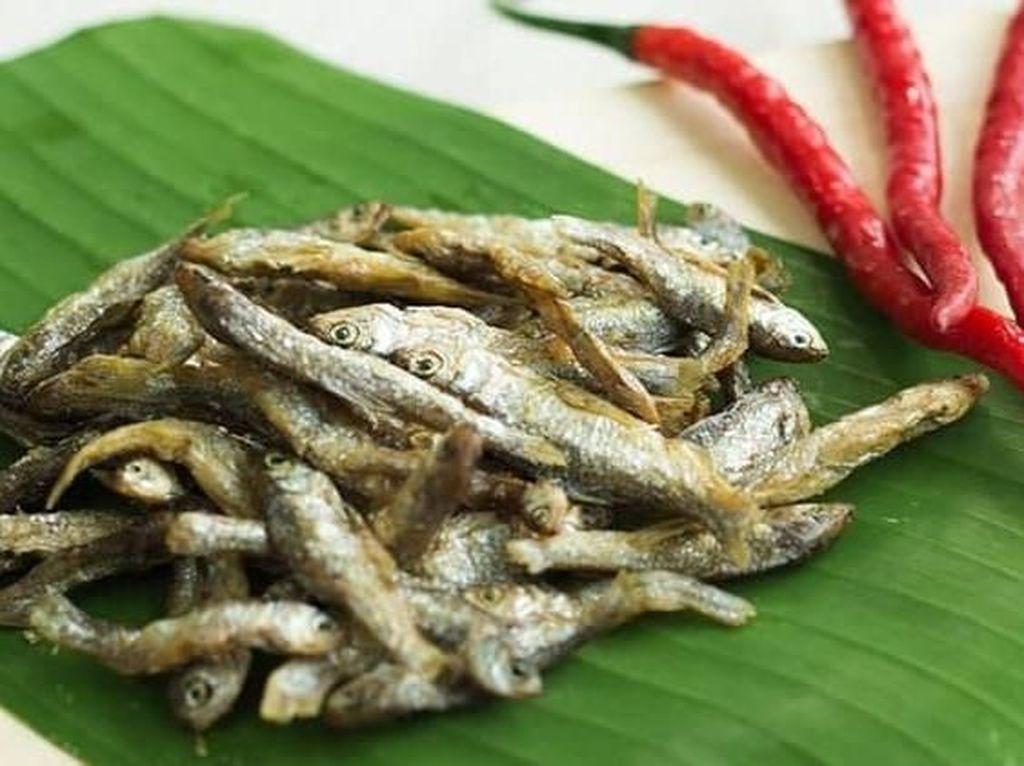 Mulai Ikan Bilih hingga Baluik, Hidangan Serba Goreng Enak Khas Minang