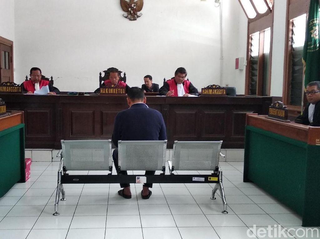 Di Pleidoinya, Fahmi Darmawansyah Minta Status Justice Collaborator