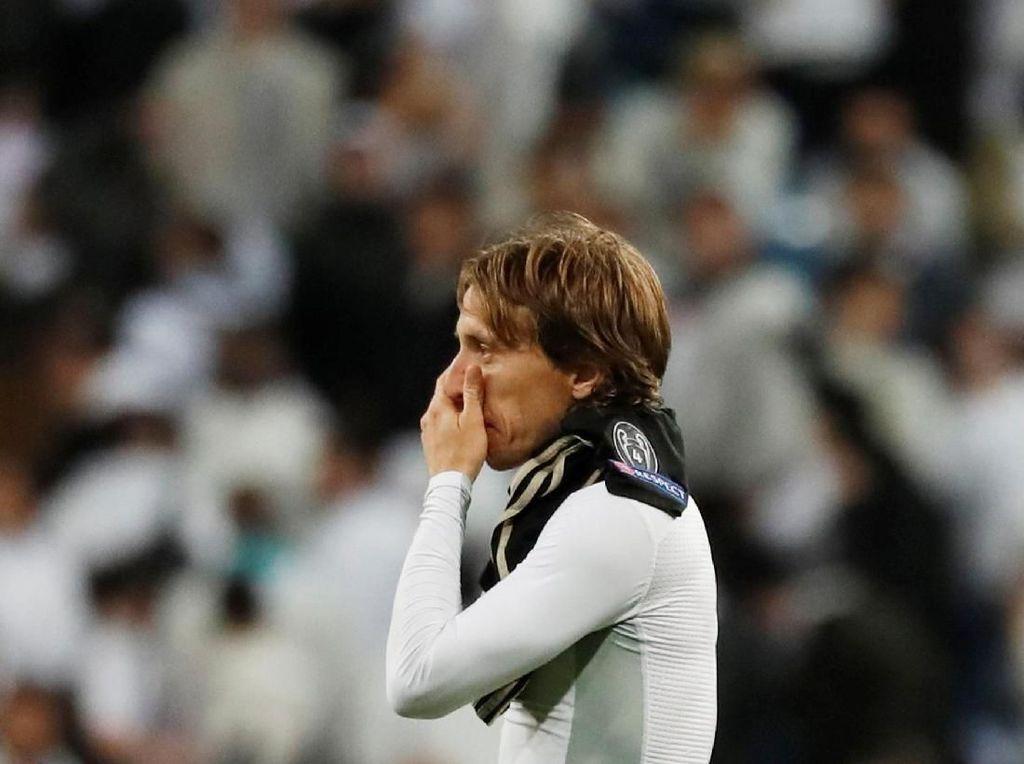 Modric: Usai Tarik-Tarik Jersey Messi, Kini Digocek De Jong