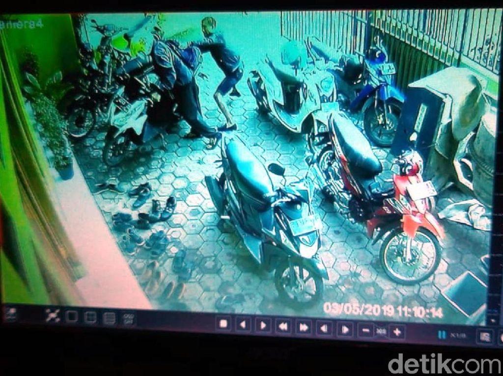 Gondol Uang Rp 397 Juta, Aksi Perampok di Cianjur Terekam CCTV