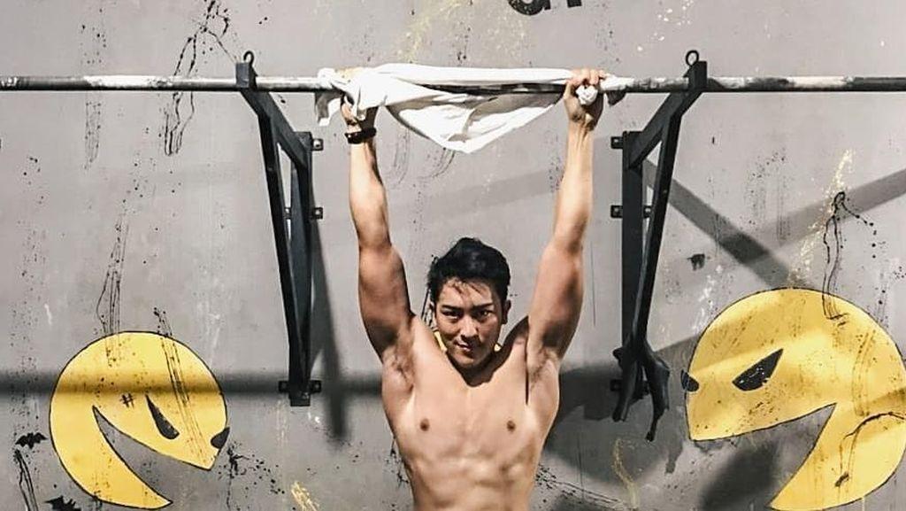 Kenny Haryanto, Spiderman yang Sempat Viral Jadi Abang Martabak Tampan