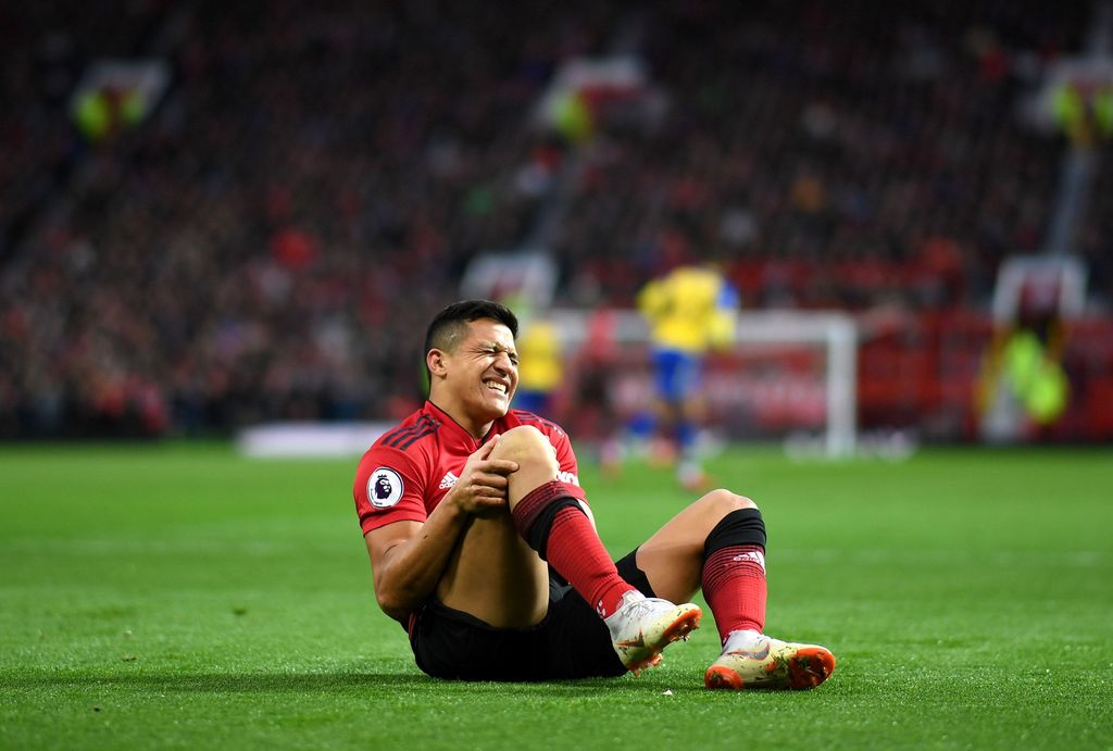 MANCHESTER, ENGLAND - MARCH 02: Alexis Sanchez of Manchester United reacts during the Premier League match between Manchester United and Southampton FC at Old Trafford on March 02, 2019 in Manchester, United Kingdom. (Photo by Shaun Botterill/Getty Images)