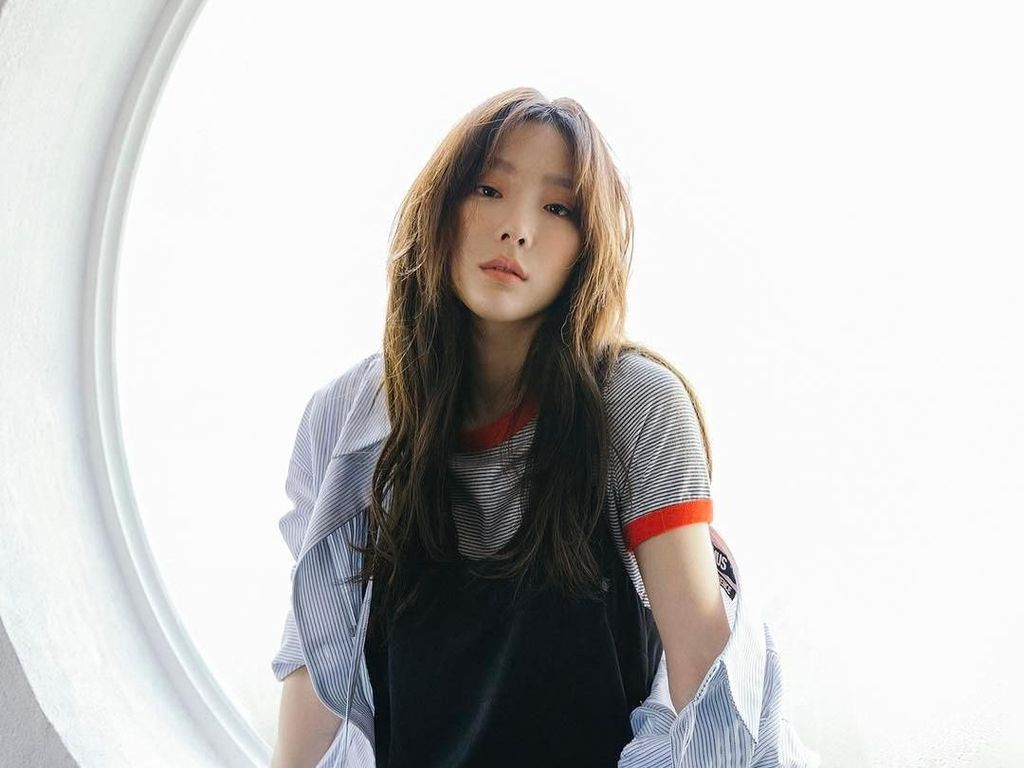 Taeyeon SNSD Buktikan Status Digital Monster Lewat Happy