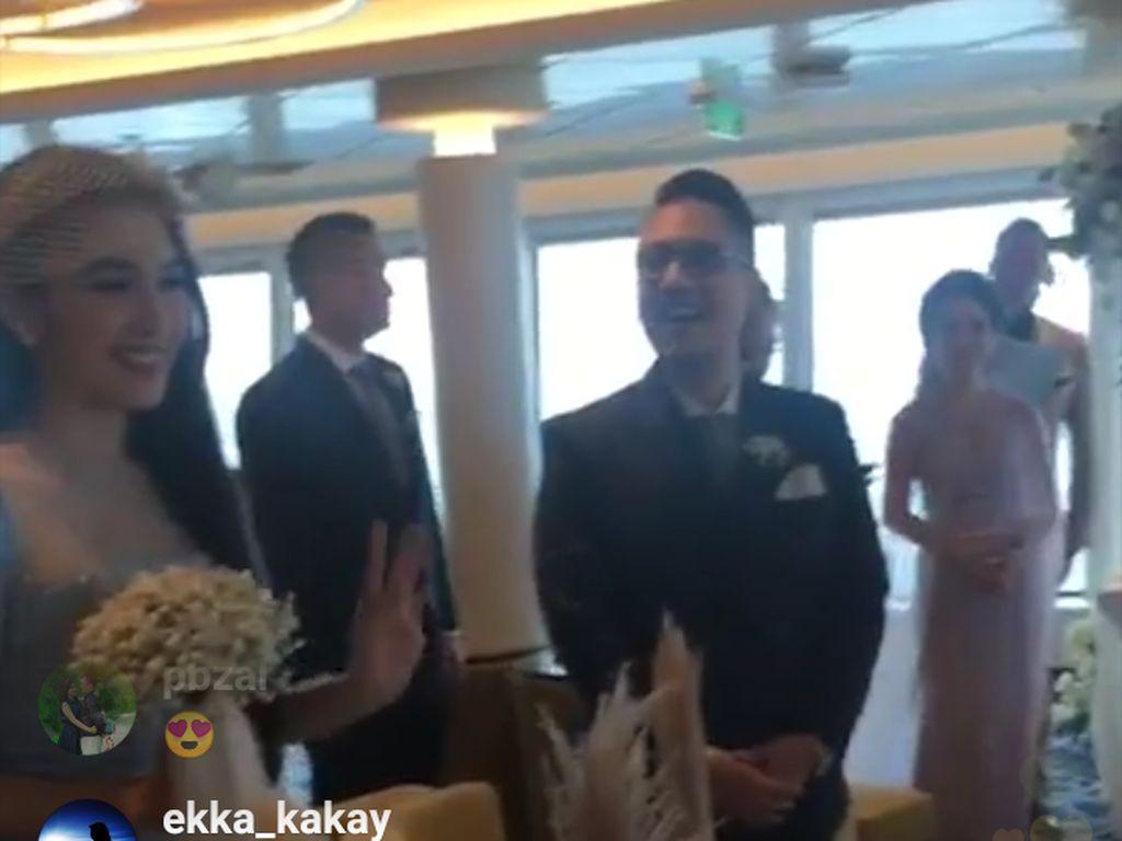 Jadi Bridesmaid, Sandra Dewi Menarik Perhatian di Pernikahan Yuanita Christiani