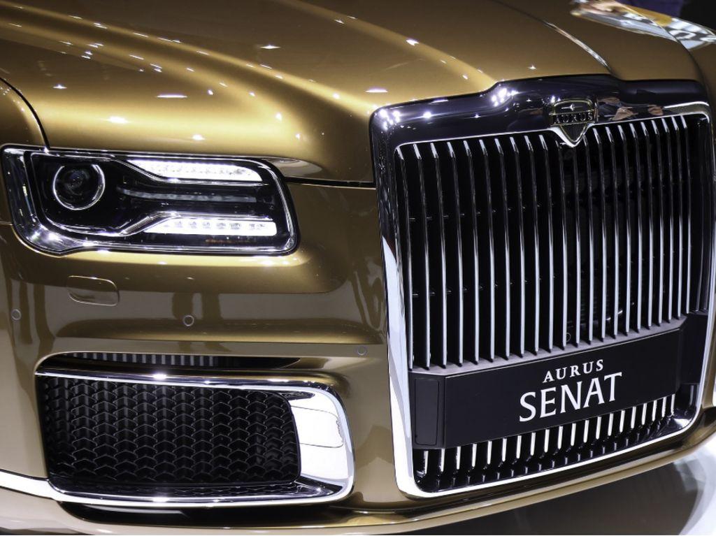 Mobil Kepresidenan Rusia Dijual Massal