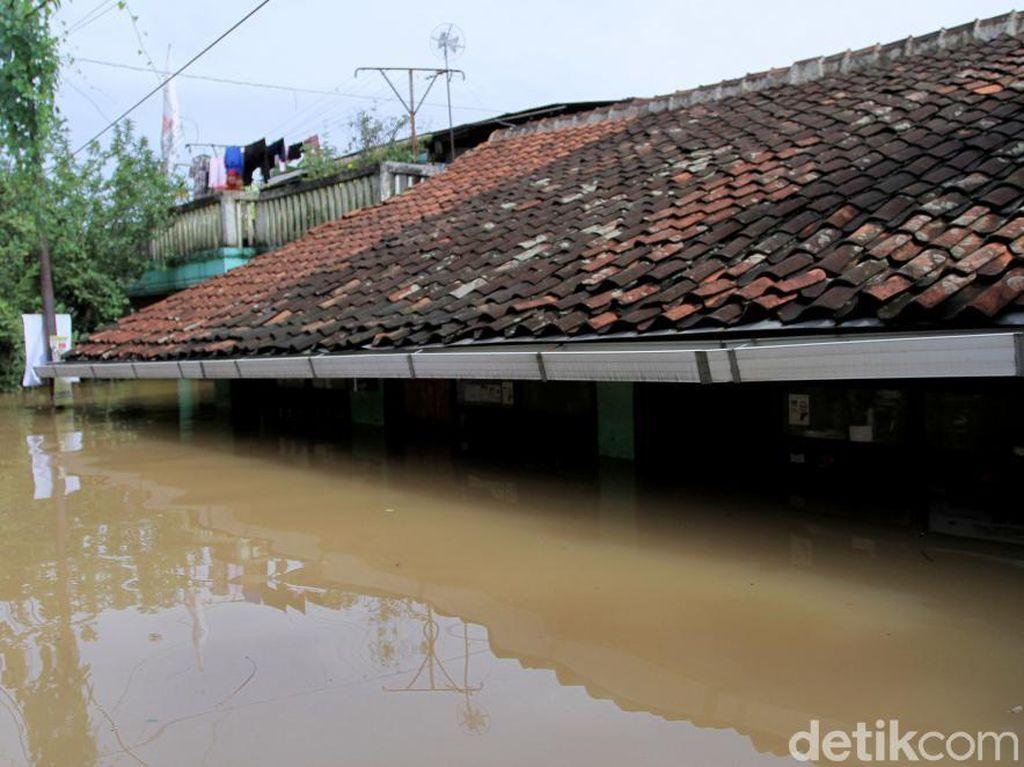 Banjir di Kabupaten Bandung Mencapai Atap Rumah