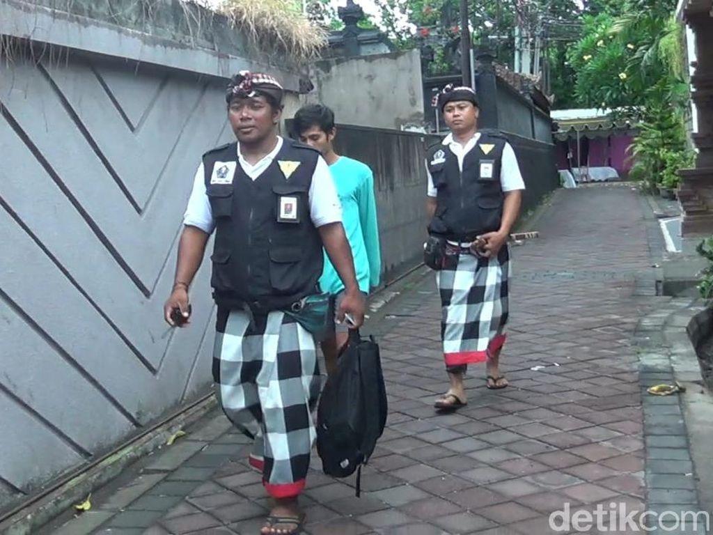 Berkeliaran di Jalan Saat Nyepi di Bali, Rusli Dihukum Bersihkan WC