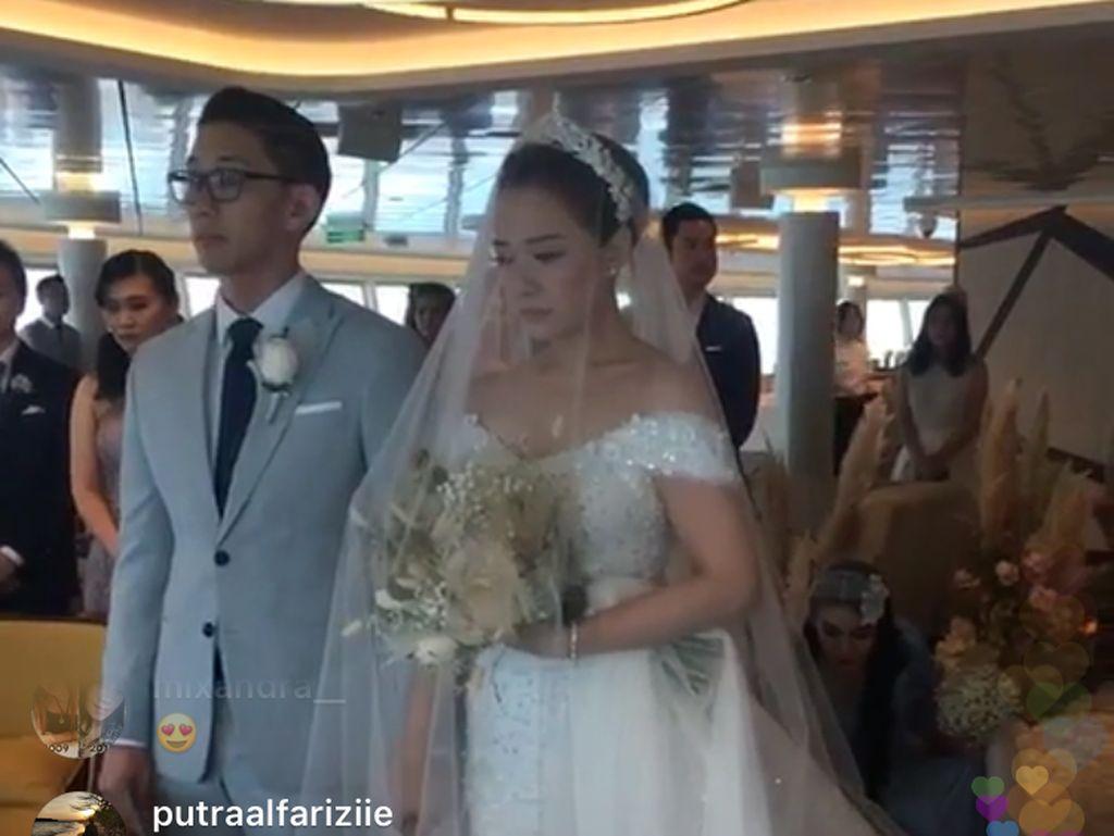 Menikah di Kapal Pesiar, Yuanita Christiani Bagikan Momen Bahagia