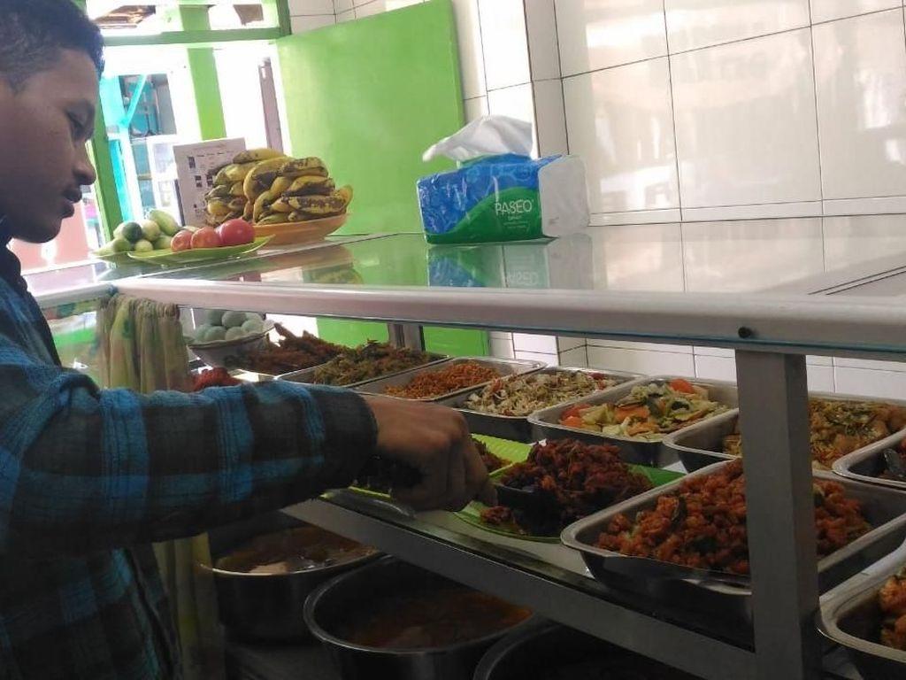 Bingung Memilih Menu Makan Siang? Ini 5 Tips Mencukupi Kebutuhan Nutrisi
