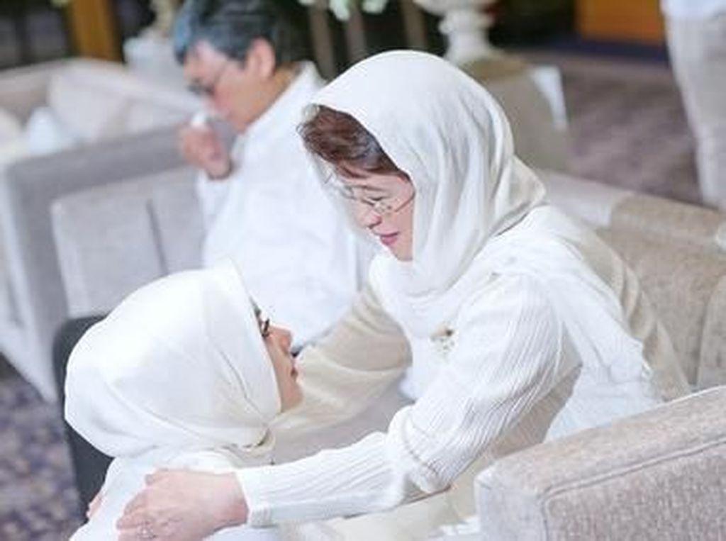 Dinikahi Reino Barack, Syahrini: Semoga Menjadi Suami yang Saleh