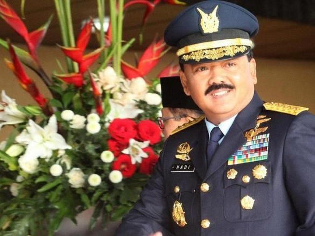 Potret Panglima TNI Hadi Tjahjanto Saat Makan Siang Bersama Jokowi hingga Makan Nasi Padang