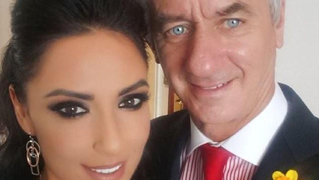 Model Seksi Ini Mau Dinikahi Eks Bintang Liverpool Walau Beda Usia 27 Tahun