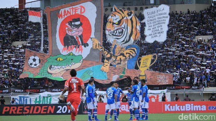 Laga Persib Bandung vs Persebaya Surabaya dialihkan ke Bali. (Wisma Putra/detikSport)