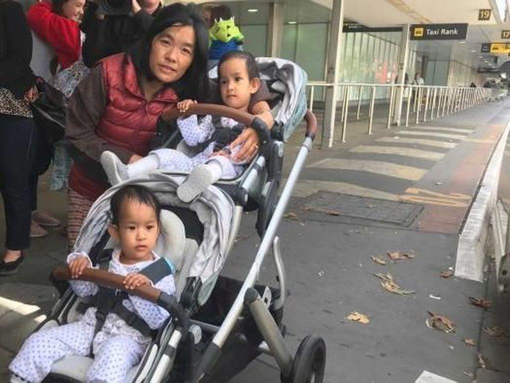 Kembar Siam Bhutan Pulang dari Australia Setelah Empat Bulan di Melbourne