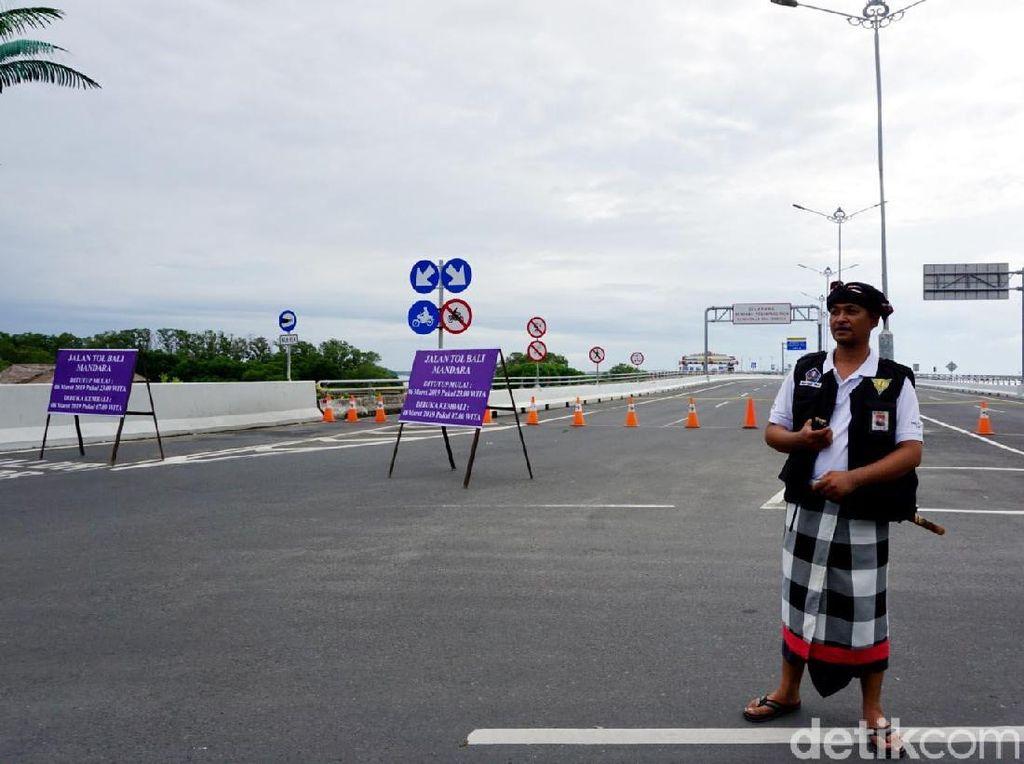 Lengang Saat Nyepi, Jalan Tol di Bali Dijaga Pecalang