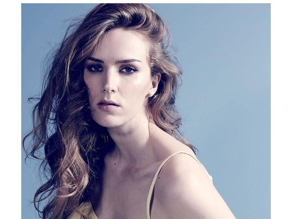 Foto Aktris Cantik yang Dikabarkan Punya Skandal Seks dengan Bos Warner Bros