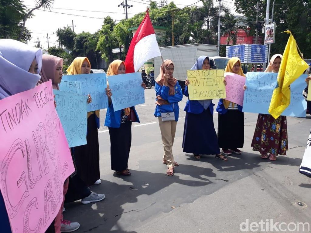 Marak Begal Payudara, Aktivis Perempuan Gelar Aksi Keprihatinan