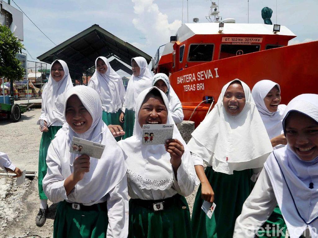 Kejar Inklusi Keuangan, Anak SMP bakal Diwajibkan Buka Tabungan