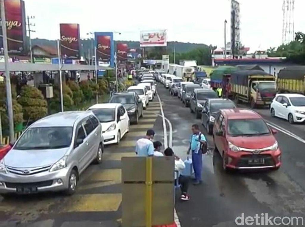 Pascanyepi, Pelabuhan Ketapang Dijubeli Ribuan Kendaraan