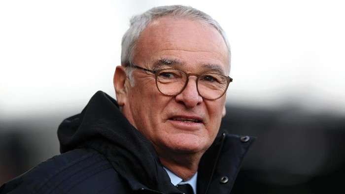 LONDON, ENGLAND - FEBRUARY 09:  Claudio Ranieri, Manager of Fulham looks on prior to the Premier League match between Fulham FC and Manchester United at Craven Cottage on February 9, 2019 in London, United Kingdom.  (Photo by Clive Rose/Getty Images)