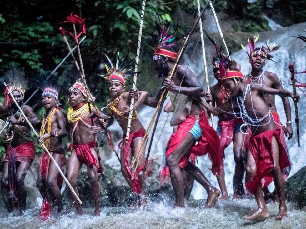 Sekolah Hutan yang Mulai Terlupakan di Tambrauw, Papua