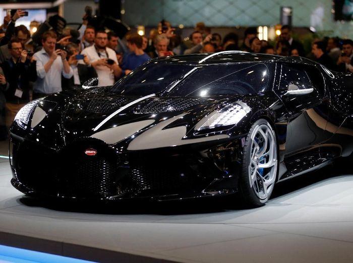Bugatti La Voiture Noire, mobil termahal dunia yang kabarnya akan jadi kepunyaan Cristiano Ronaldo (REUTERS/Pierre Albouy)