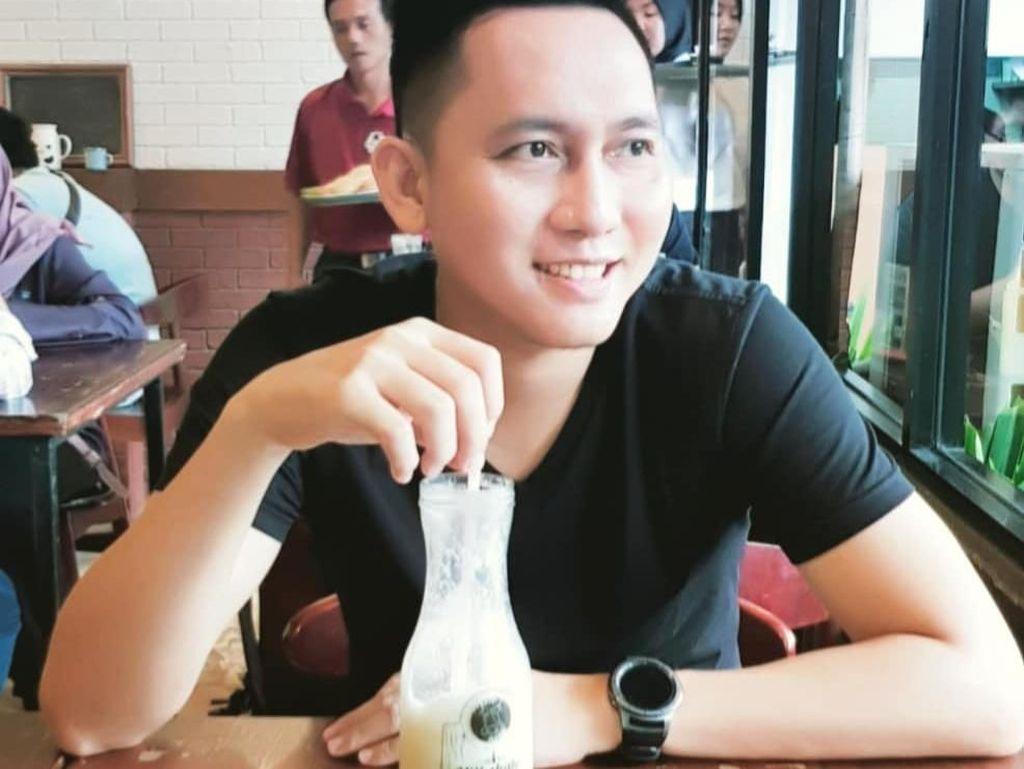 Intip Momen Makannya Dokter Hewan Zaldie yang Ganteng