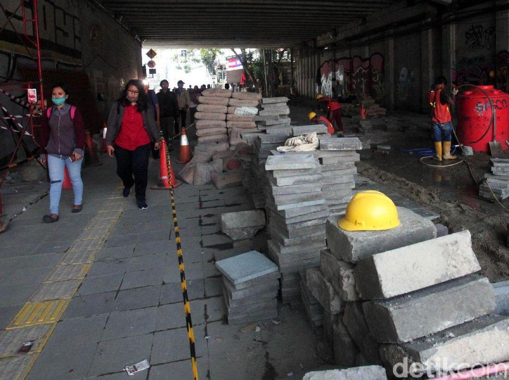 Warga Antusias Sambut Jalur Pedestrian Dukuh Atas