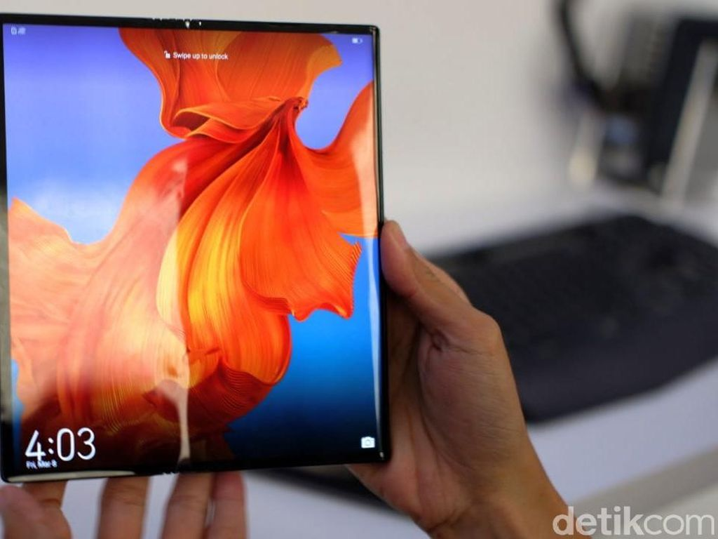 2021, Setengah Ponsel Flagship Huawei Layarnya Bisa Dilipat