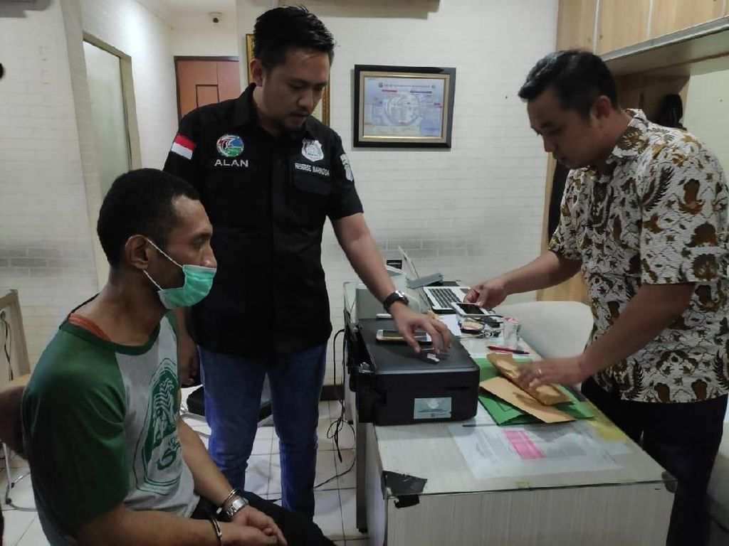 Polisi: Eddo Eks Finalis Idol Diduga Jadi Kurir Narkoba