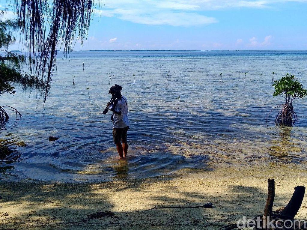Menerobos Keheningan Pulau Pemakaman di Kepulauan Seribu