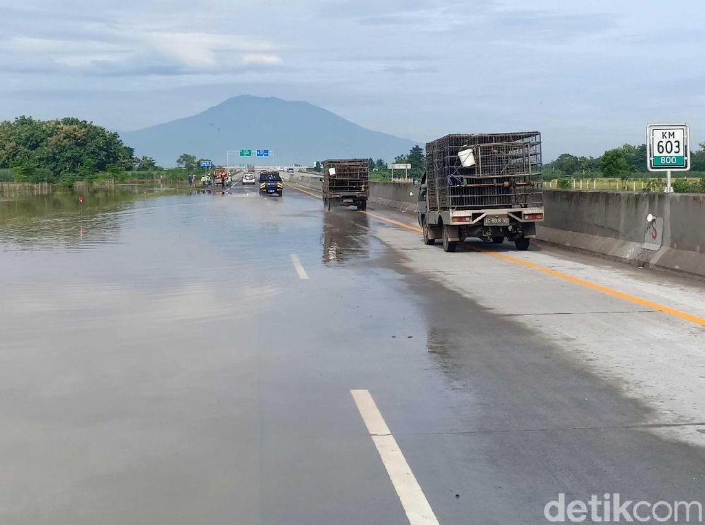 Banjir Mulai Surut, Tol Madiun Sudah Bisa Dilewati