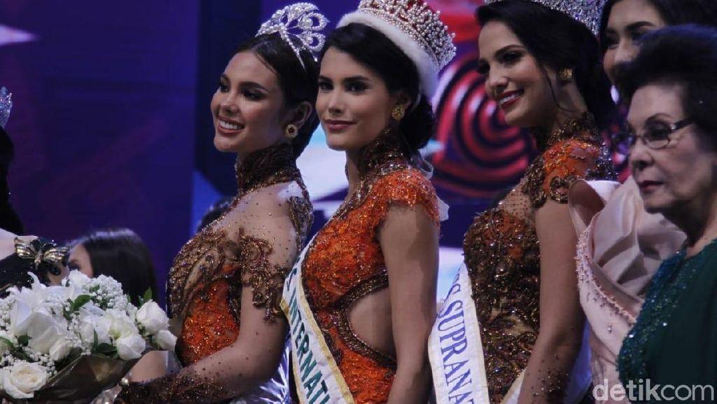 Potret 3 Ratu Kecantikan Dunia Berbalut Kebaya di Final Puteri Indonesia 2019