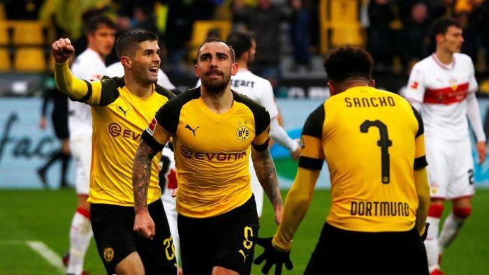 Dortmund kalahkan Stuttgart 3-1 tapi turun dari puncak klasemen Bundesliga (Wolfgang Rattay/Reuters)
