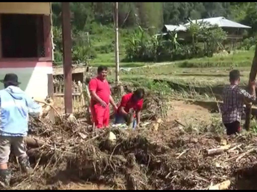 Cerita Warga soal Dahsyatnya Banjir Bandang di Mamasa Sulbar