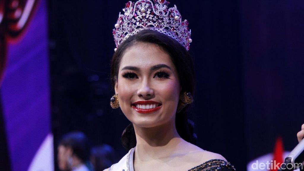 Foto: Mengenal Si Cantik Frederika Alexis Cull, Juara Puteri Indonesia 2019