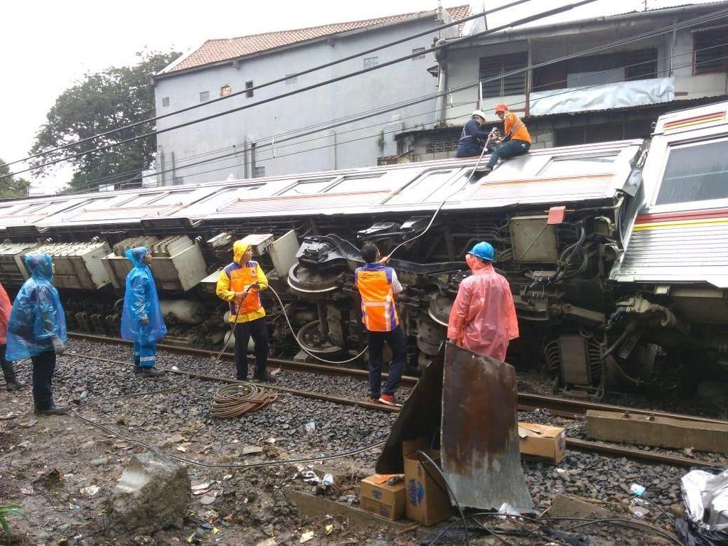 KCI Jamin Asuransi Penumpang KRL Jakarta-Bogor yang Terguling