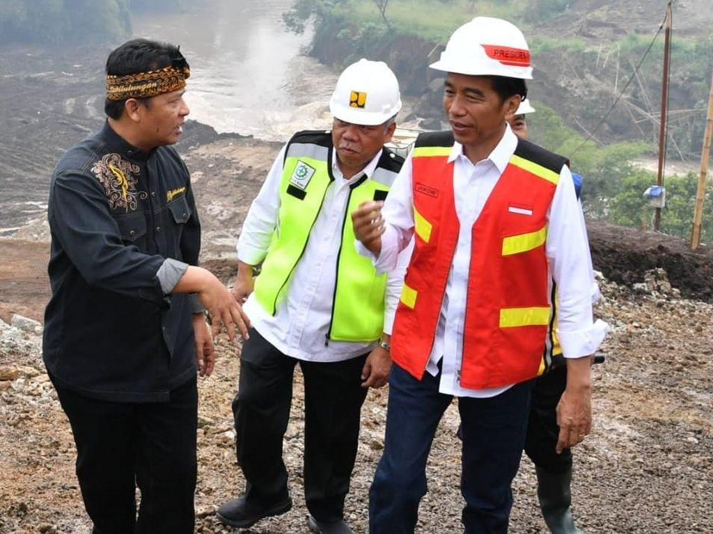 Perhatian-perhatian, Jokowi Mau Gaji Pengangguran Lulusan SMP