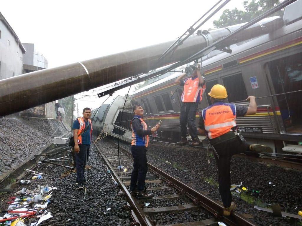 KRL Jakarta-Bogor Terguling, Bima Arya: Informasinya Ada Kabel Terjuntai