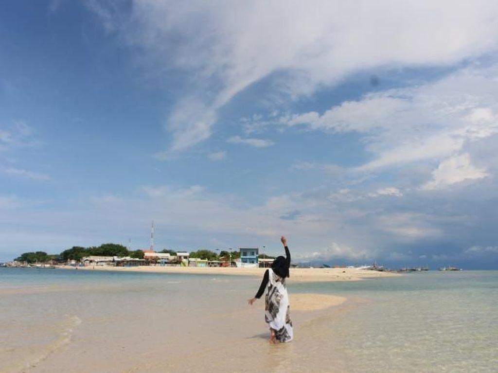 Pulau Cantik yang Pantainya Pasir Putih di Dekat Surabaya