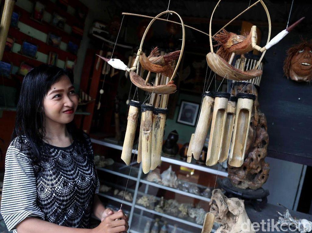 Keren, Batok Kelapa Disulap Jadi Kerajinan Khas Pulau Tidung