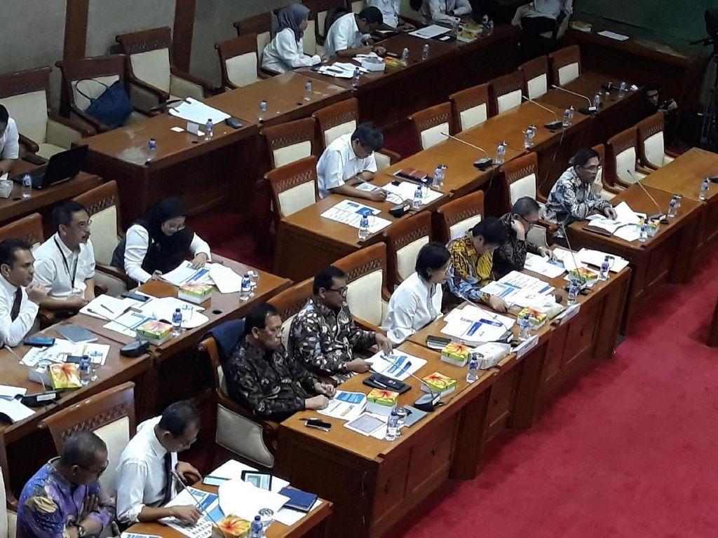 Sri Mulyani dan Komisi XI Rapat Bahas Pajak Barang Mewah