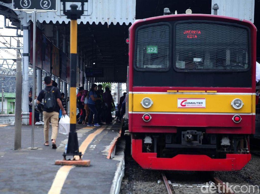 Penumpang KRL Diperbolehkan Buka Puasa di Kereta Selama Ramadhan