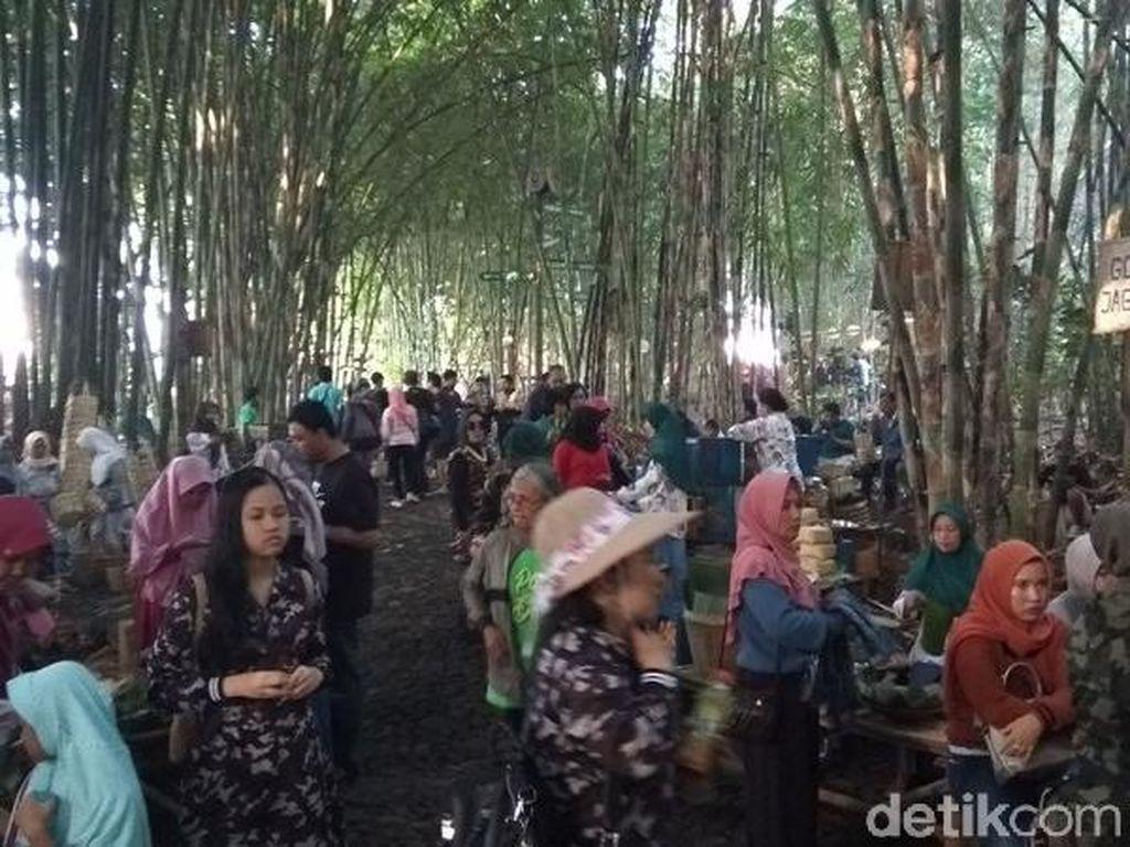 Viral dari Temanggung, Pasar Ini Ada di Kerimbunan Kebun Bambu