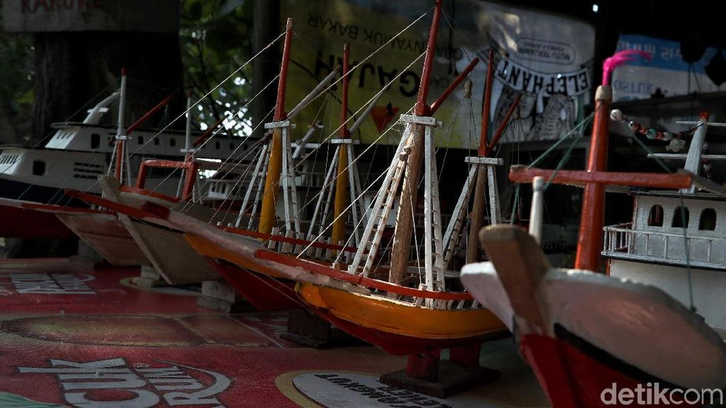 Ini Lho Kerajinan Kapal Kayu Idola Pengunjung Pulau Tidung