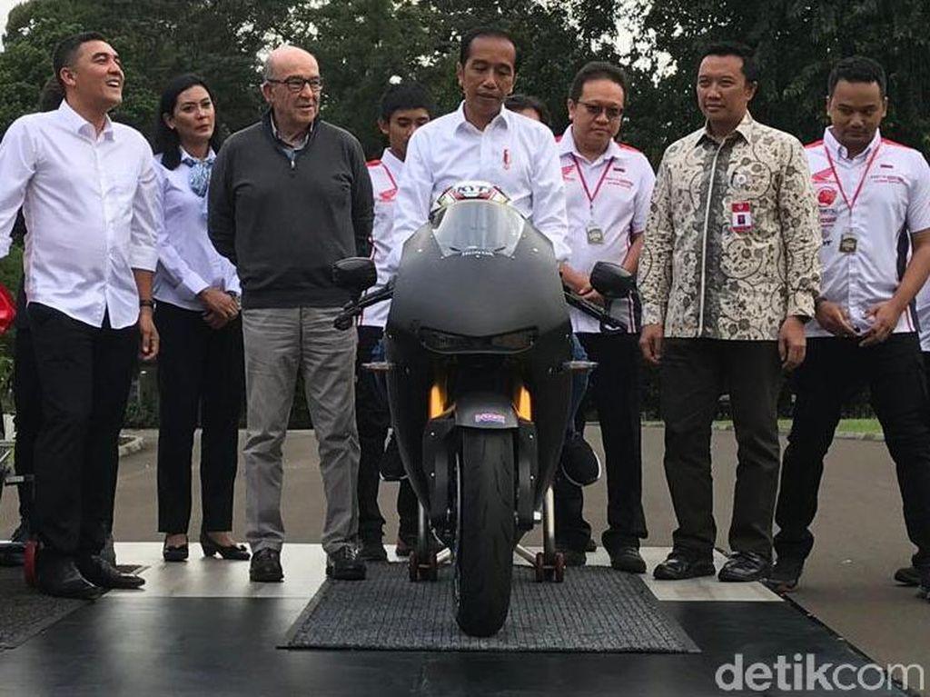 Jokowi Coba Motor Replika MotoGP Rp 7 Miliar