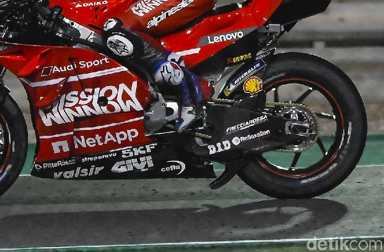 Bukan Aerodinamika, Ini Fungsi Spoiler di Swingarm Motor Ducati