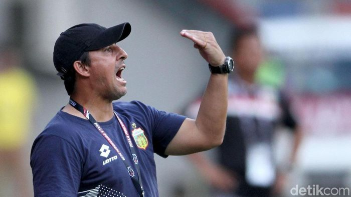 Angel Alfredo Vera meminta agar Bhayangkara abaikan status tandang melawan Semen Padang. (Rifkianto Nugroho/detikSport)