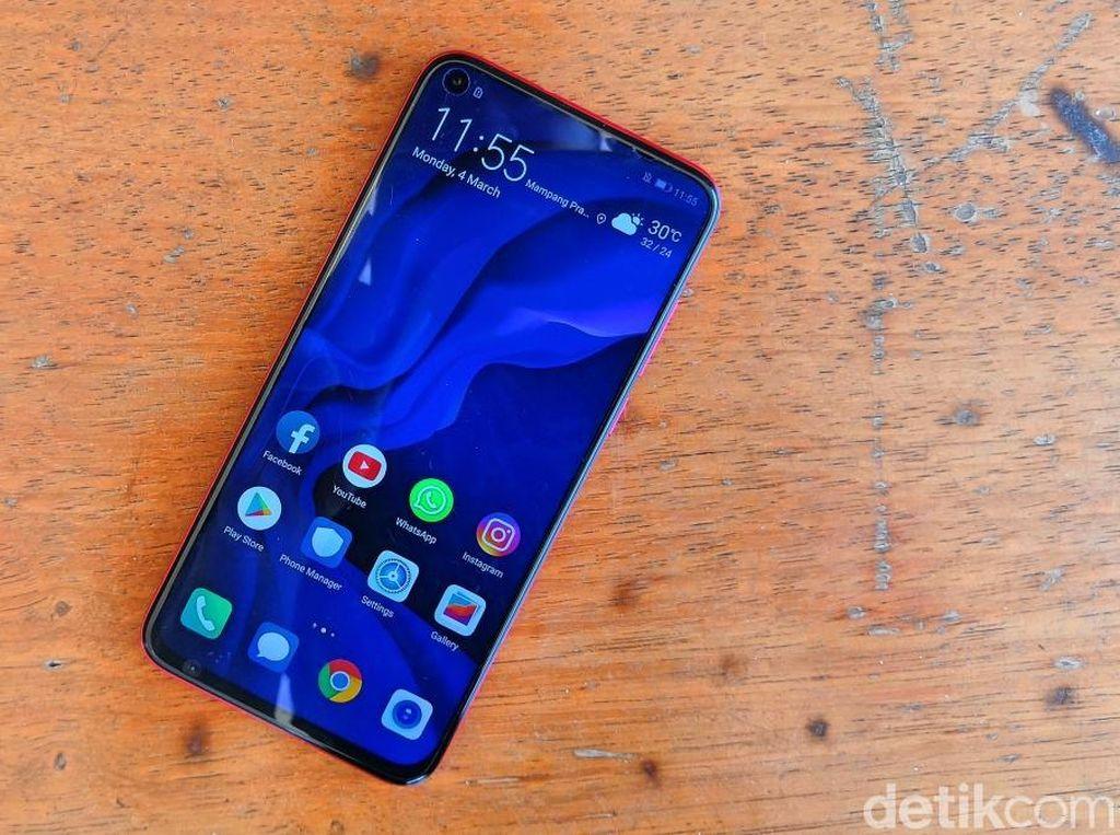 Huawei Nova 4, Smartphone Langka dengan Kamera Tertanam di Layar