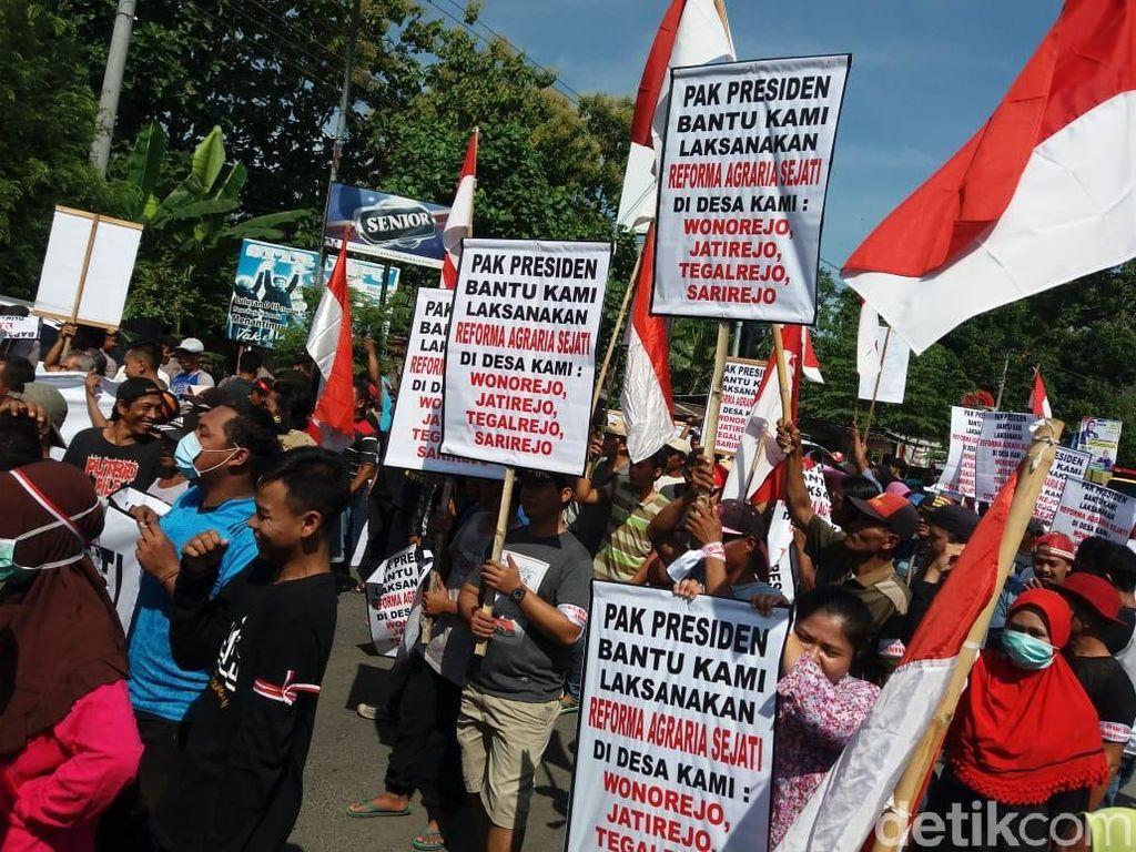 Warga Cepu Blokir Jalan Tuntut Legalitas Tanah yang Ditempati
